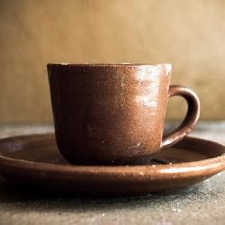 陶器のコーヒーカップの画像