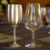 錫とガラスのグラス